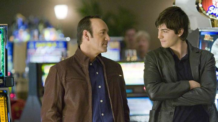 21 – Kevin Spacey and Jim Sturgess Looking Each Other